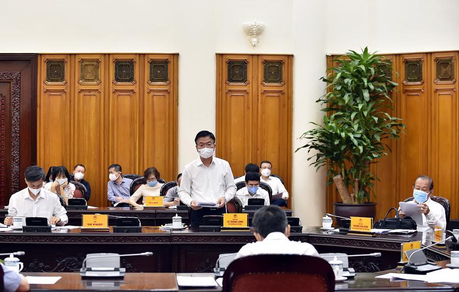 Bộ trưởng Bộ Tư pháp Lê Thành Long phát biểu tại cuộc họp - Ảnh: VGP.