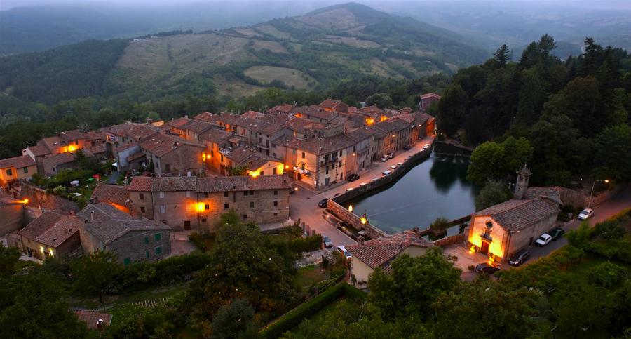 Santa Fiora có những công trình kiến trúc trung cổ tuyệt đẹp được lưu giữ gần như nguyên vẹn.