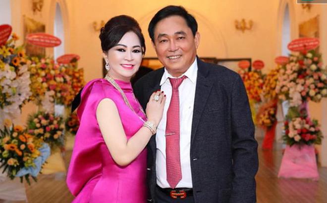 Hai vợ chồng bà Hằng và ông Dũng