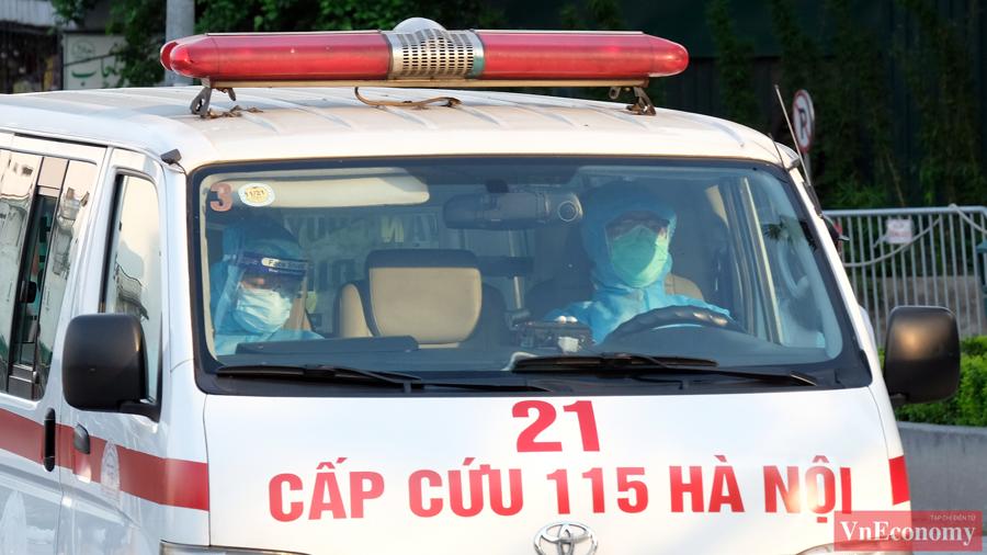 Hà Nội khẩn trương cách ly y tế tòa nhà tổ hợp quận Tây Hồ - Ảnh 3