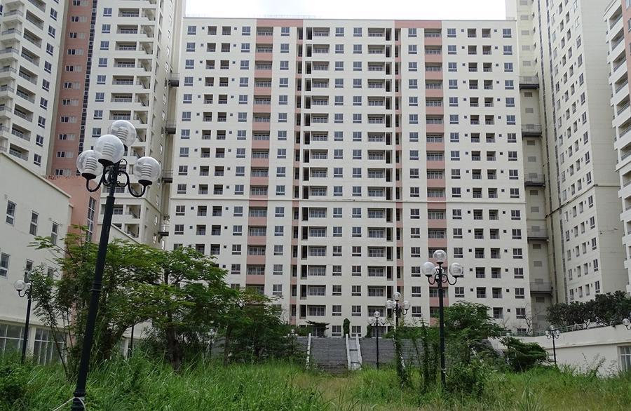 Hàng ngàn căn hộ tái định cư tại khu đô thị mới Thủ Thiêm đang bị bỏ hoang chuẩn bị được đấu giá lần 3.