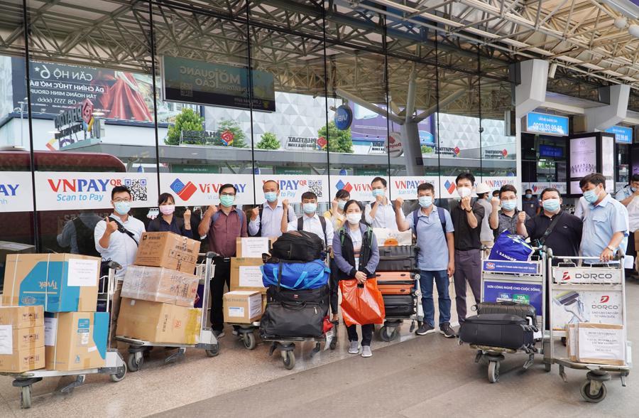 Các y bác sỹ trong đoàn mang theo rất nhiều vật tư y tế để hỗ trợ tỉnh Bắc Giang trong việc điều trị và phòng chống dịch.