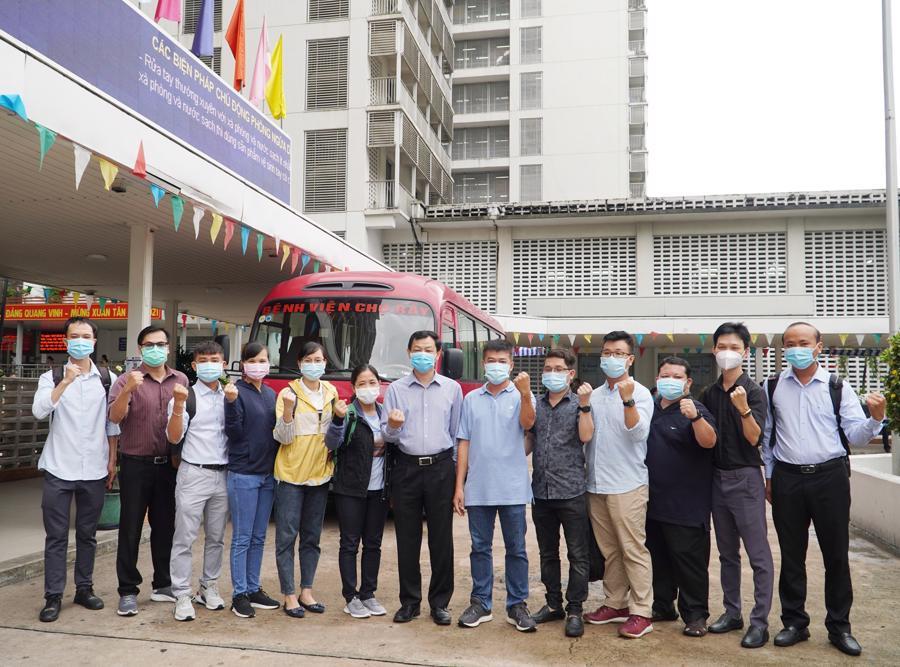 Theo chân bác sỹ Bệnh viện Chợ Rẫy tại tâm dịch Bắc Giang - Ảnh 1