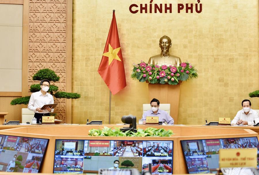 Phó Thủ tướng VũĐức Đam phát biểu tại cuộc họp sáng nay. Ảnh: VGP