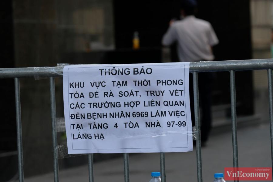 Hà Nội phong tỏa mềm tòa nhà trên phố Láng Hạ để truy vết Covid-19 - Ảnh 2