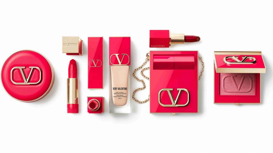 Valentino ra mắt dòng sản phẩm trang điểm riêng - Ảnh 1