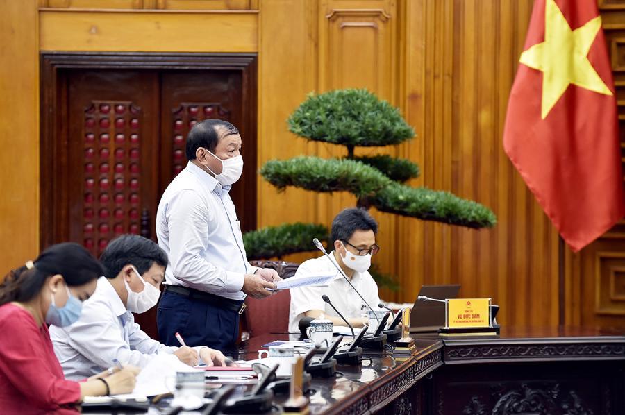 Bộ trưởng Nguyễn Văn Hùng báo cáo tại buổi làm việc - Ảnh: VGP/Nhật Bắc