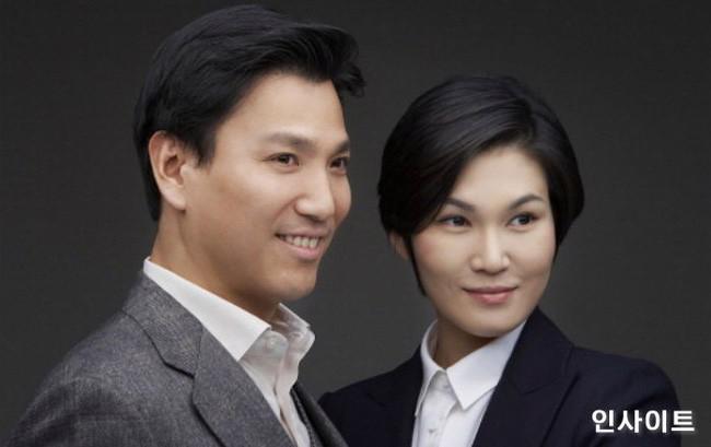Vợ chồngbà Lee Seo-hyun vàKim Jae-yeol - Ảnh: Samsung