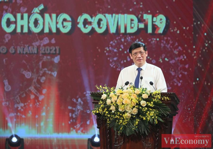 Đồng chí Nguyễn Thanh Long, Ủy viên Trung ương Đảng, Bộ trưởng Bộ Y tế phát biểuvề những nỗ lực mua vaccine và sử dụng vaccine tại Việt Nam hiện nay.Buổi lễ ra mắt Quỹ vaccine phòng, chống Covid-19 kết thúc thành công tốt đẹp.