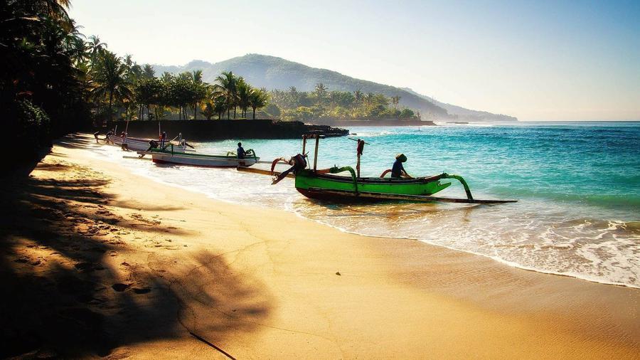 Việc không có du khách do đại dịch đã tàn phá nền kinh tế của Bali, vốn phụ thuộc tới 80% vào du lịch.