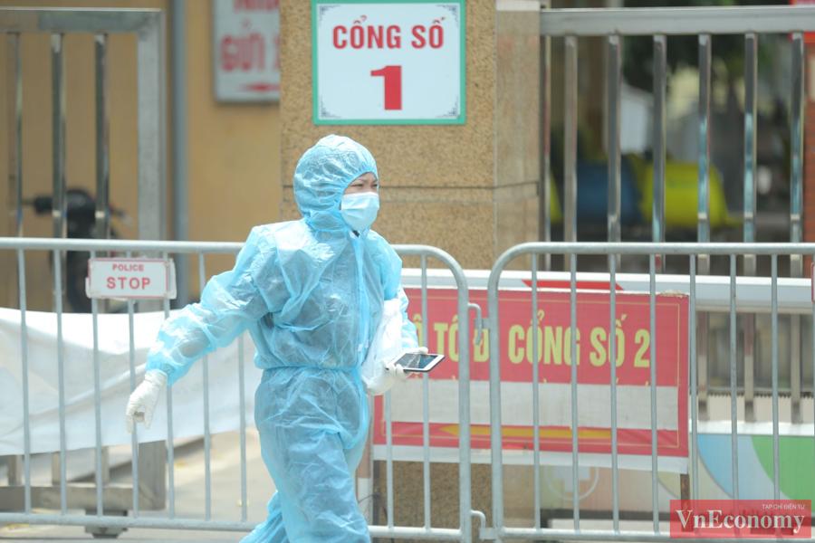 Quang cảnh Bệnh viện Bắc Thăng Long sau khi ghi nhận ca Covid-19 - Ảnh 4