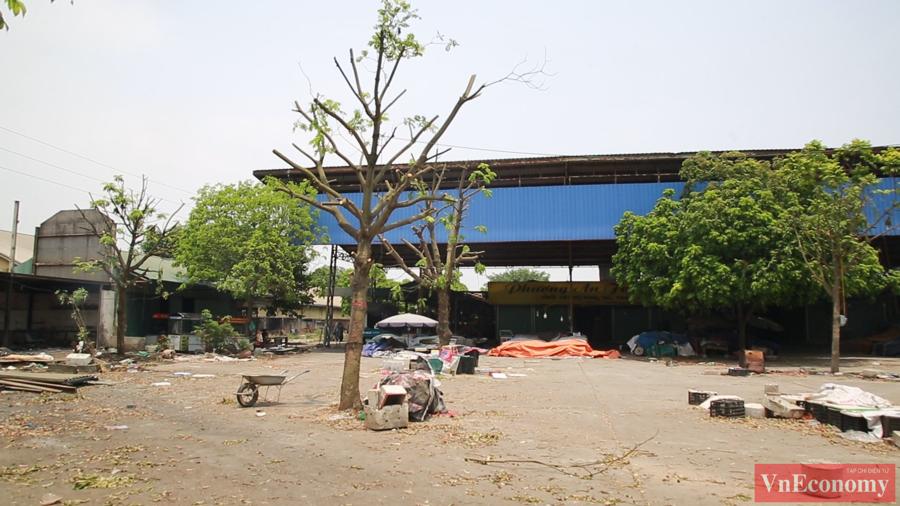 Quang cảnh Bệnh viện Bắc Thăng Long sau khi ghi nhận ca Covid-19 - Ảnh 7