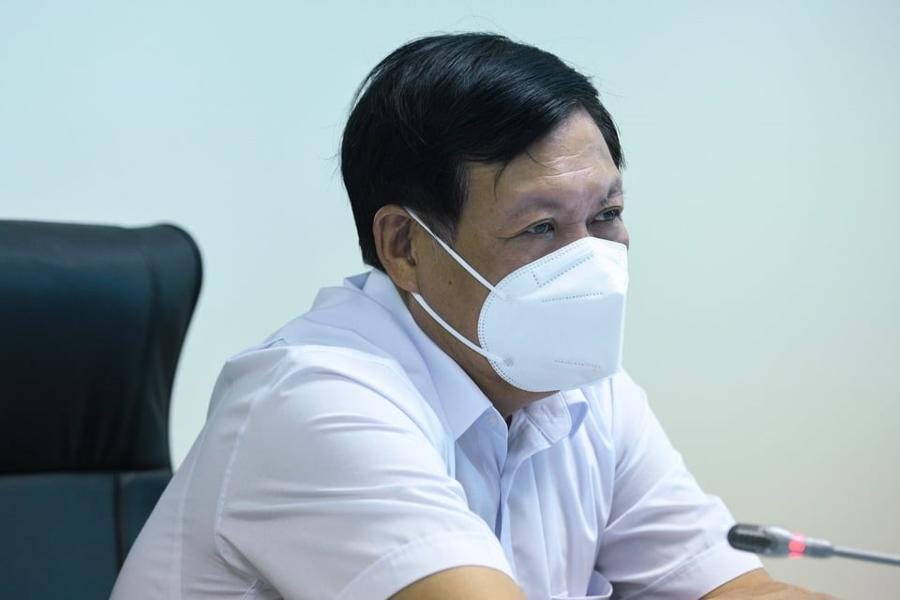 Thứ trưởng Bộ Y tế Đỗ Xuân Tuyên tại buổi họp với Thường trực Tỉnh ủy Bắc Ninh.