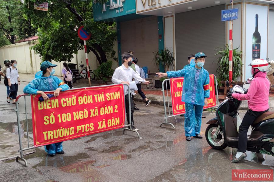 Năm nay, Hà Nội có trên 93.000 thí sinh dự thi vào lớp 10, với gần 4.000 phòng thi tại 184 điểm thi.