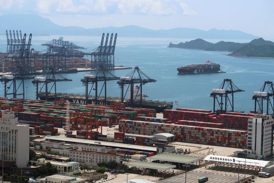 CảngYantian tại Thâm Quyến, Trung Quốc - Ảnh: Reuters