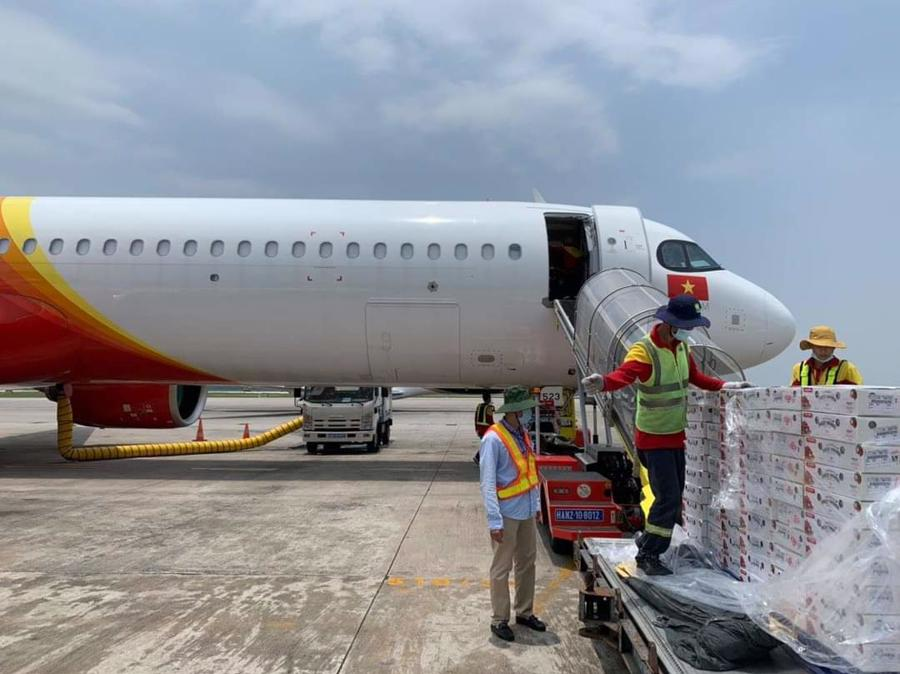 Vietjet & Swift247 vận chuyển vải thiều tới thị trường trong nước và quốc tế - Ảnh 1