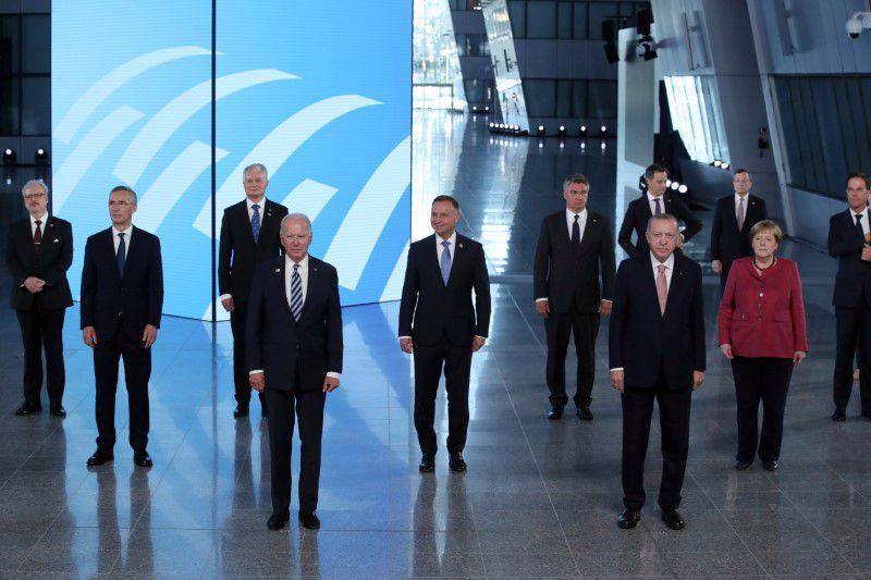 Các nhà lãnh đạo NATO tại trụ sở khối ở Brussels, Bỉ, ngày 14/6 - Ảnh: Reuters.