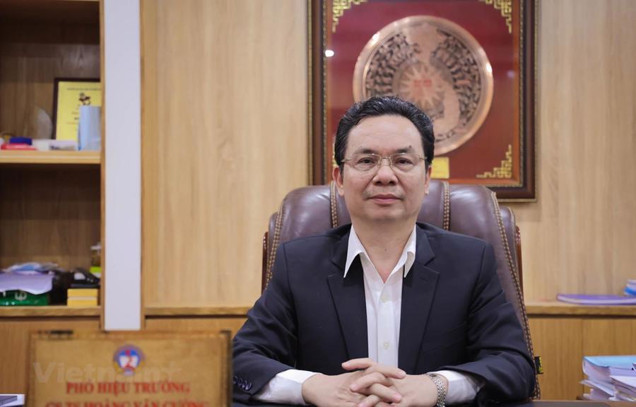 Ông Hoàng Văn Cường, Phó Hiệu trưởng trường Đại học Kinh tế Quốc dân, đại biểu Quốc hội đoàn Hà Nội
