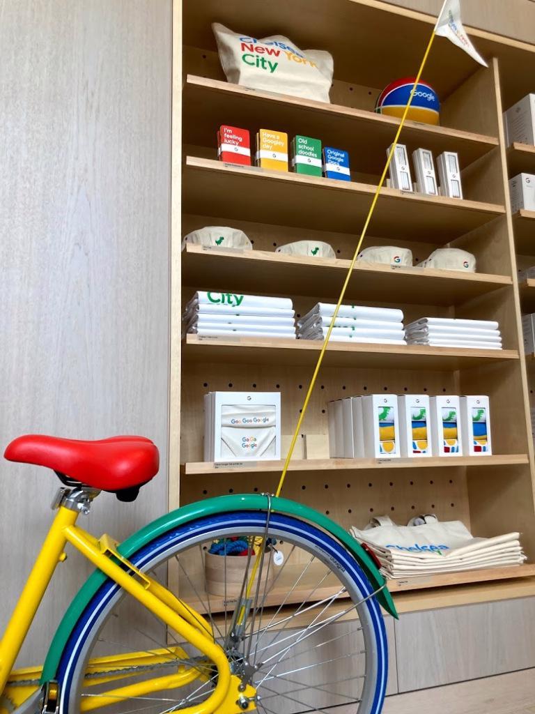 Cửa hàng bán lẻ đầu tiên của Google bán những gì? - Ảnh 8