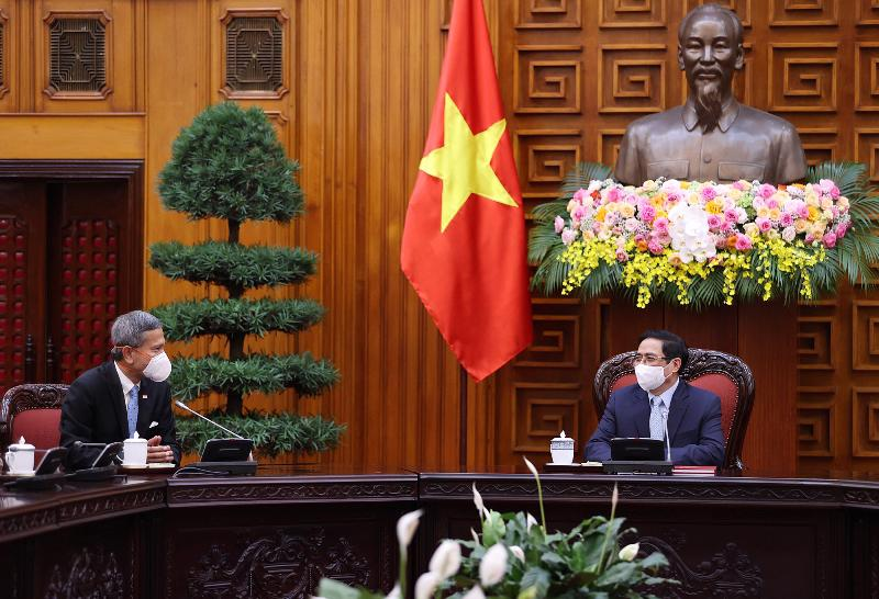 Thủ tướng Phạm Minh Chính tiếp Bộ trưởng Ngoại giao Singapore - Ảnh: TTXVN