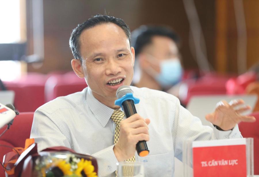 Ông Cấn Văn Lực, chuyên gia kinh tế trưởng BIDV