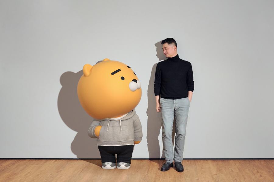 Kim Beom-su hiện là người giàu nhất Hàn Quốc - Ảnh: FT