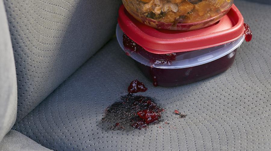 Những thứ không nên để trong ô tô