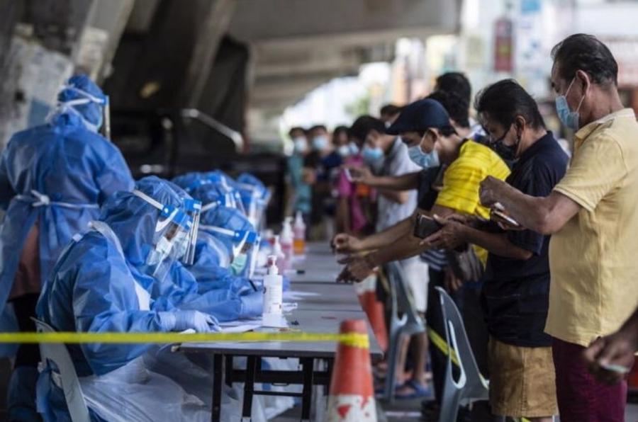 Indonesia liên tiếp lập kỷ lục về số ca nhiễm Covid-19 mới một ngày - Ảnh: AP