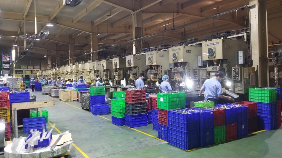 Trong quá trình doanh nghiệp vừa cách ly, vừa sản xuất, toàn bộ nhân sự không rời khỏi nơi ở tập trung và nơi làm việc.
