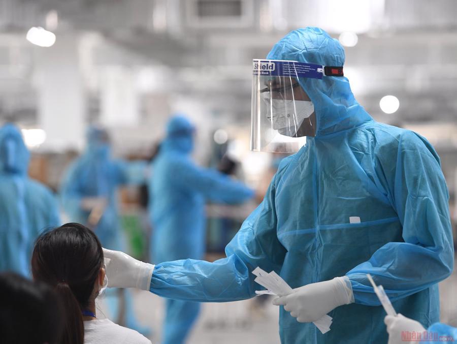 TP.HCM đang thực hiện xét nghiệm, tầm soát trên diện rộng cho 5 triệu người dân.