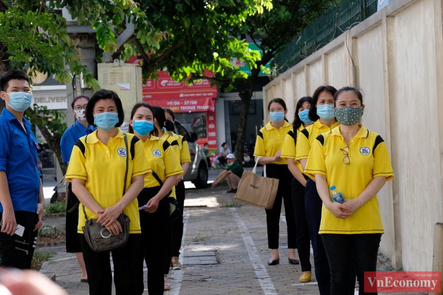 Hà Nội diễn tập phòng, chống dịch Covid-19 cho kỳ thi tốt nghiệp THPT - Ảnh 2