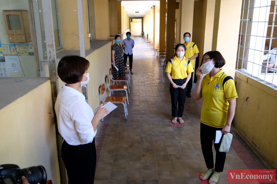 Hà Nội diễn tập phòng, chống dịch Covid-19 cho kỳ thi tốt nghiệp THPT - Ảnh 3