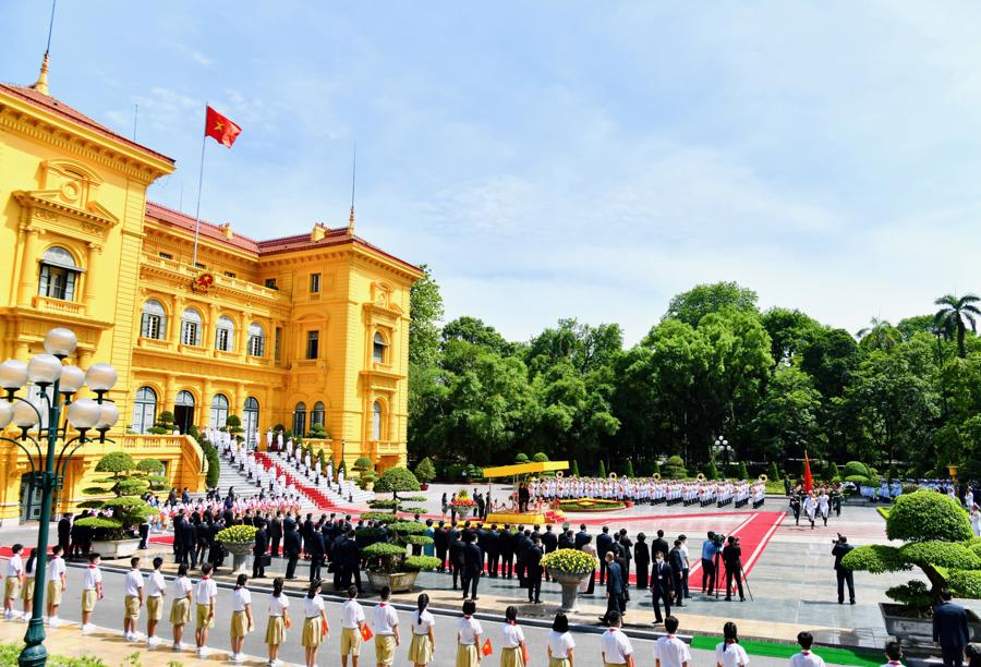 Toàn cảnh lễ đón tại Phủ Chủ tịch - Ảnh: VGP