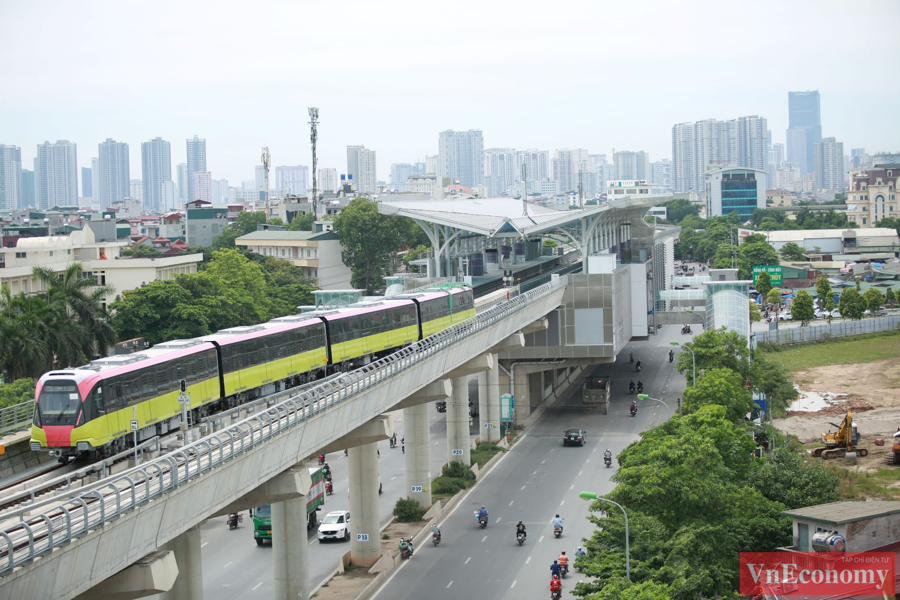 Cận cảnh đoàn tàu metro Nhổn - ga Hà Nội chạy thử nghiệm an toàn - Ảnh 3
