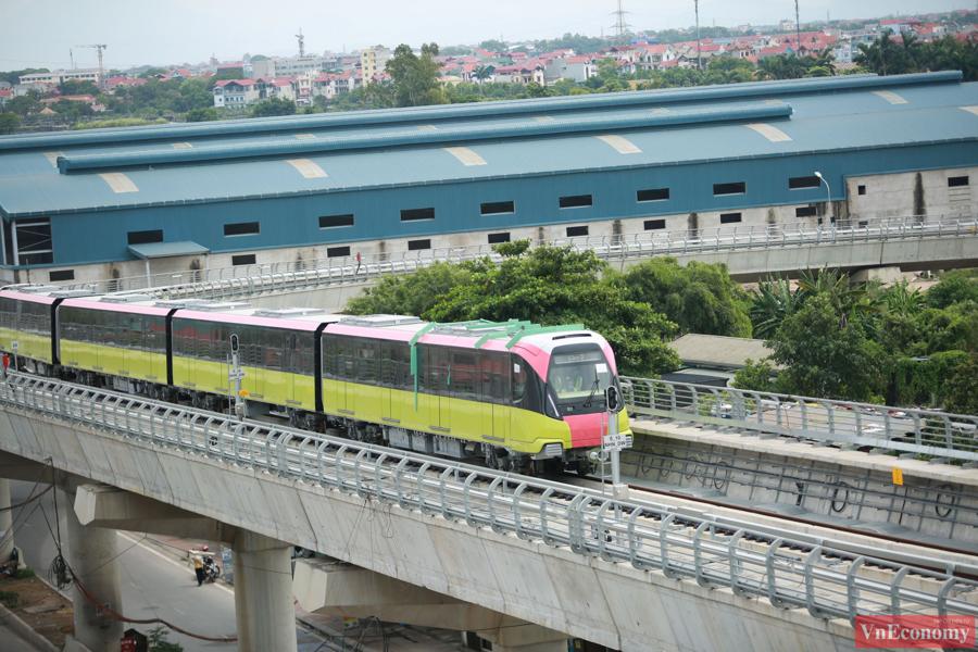 Tuyến đường chạy thử kéo dài 8,5 km là tuyến đường sắt trên cao, kết nối từ Depot Nhổn đến ga S8 (Cầu Giấy).
