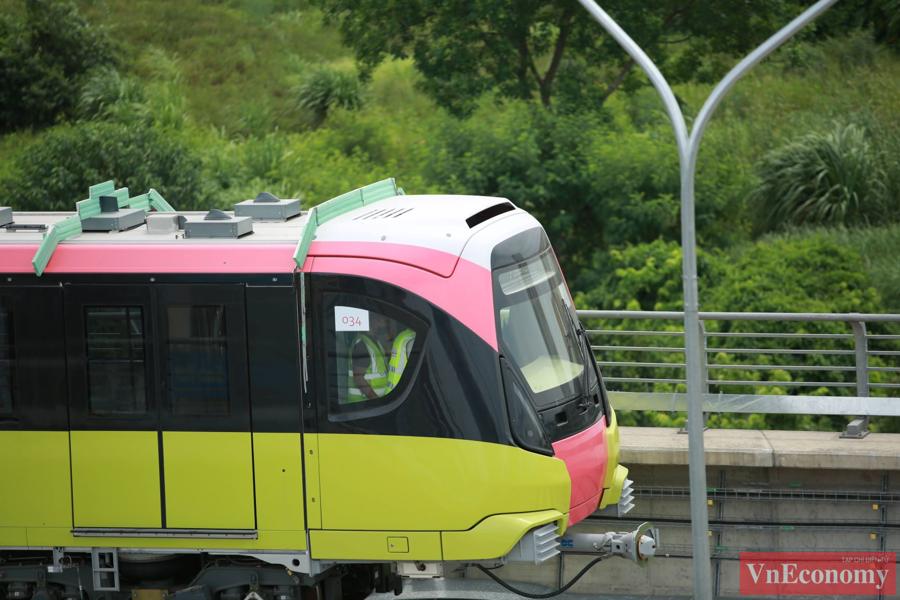 Cận cảnh đoàn tàu metro Nhổn - ga Hà Nội chạy thử nghiệm an toàn - Ảnh 4