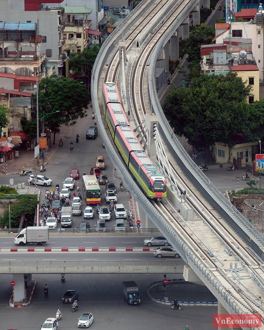 Cận cảnh đoàn tàu metro Nhổn - ga Hà Nội chạy thử nghiệm an toàn - Ảnh 6