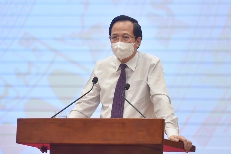 Bộ trưởng Lao động, Thương binh và Xã hội Đào Ngọc Dung tại họp báo - Ảnh: VGP