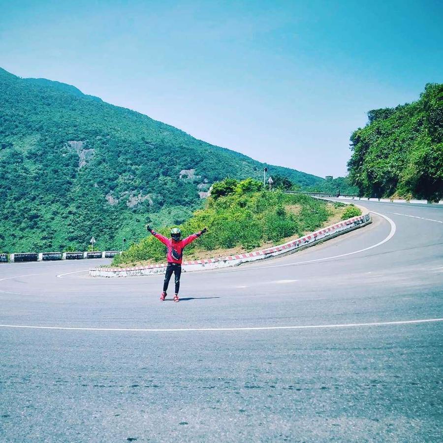 Đi xe máy là cách tốt nhất để cảm nhận cuộc sống của người dân Việt Nam.