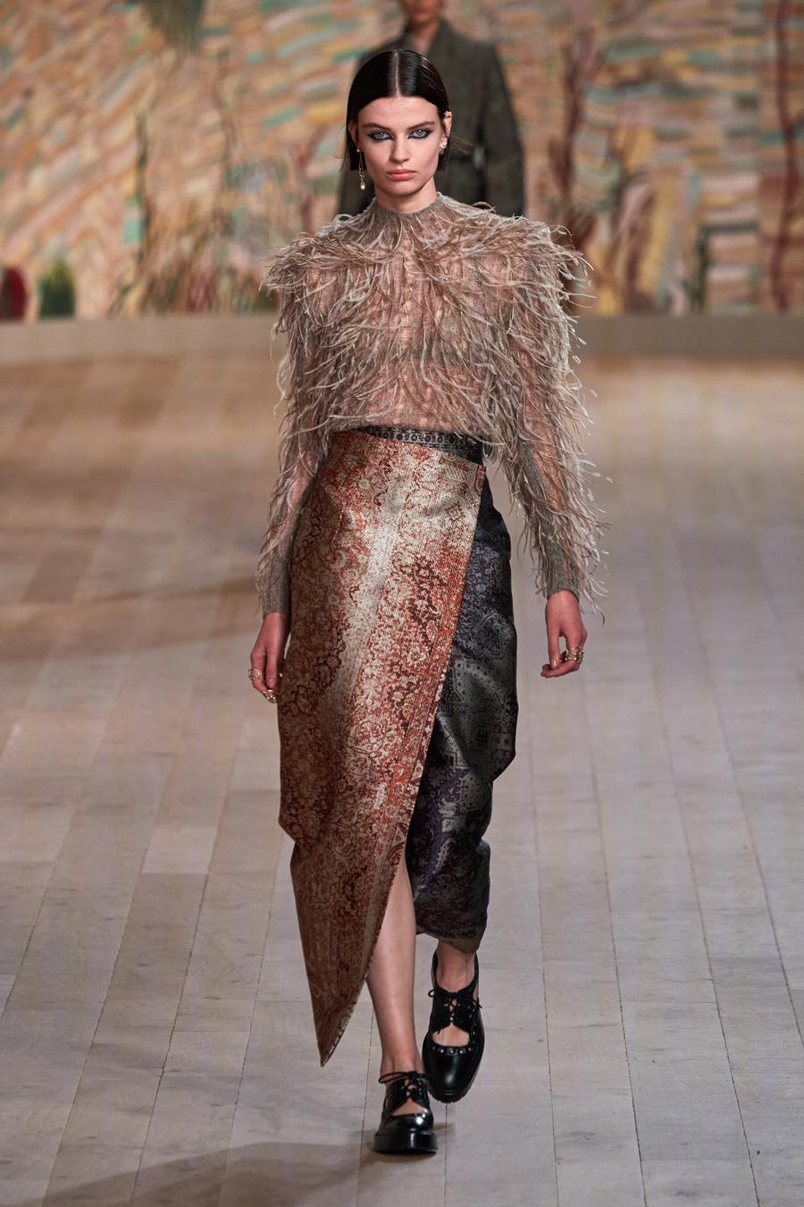 Dior trình diễn BST Haute Couture Thu Đông 2021 - 2022 - Ảnh 13
