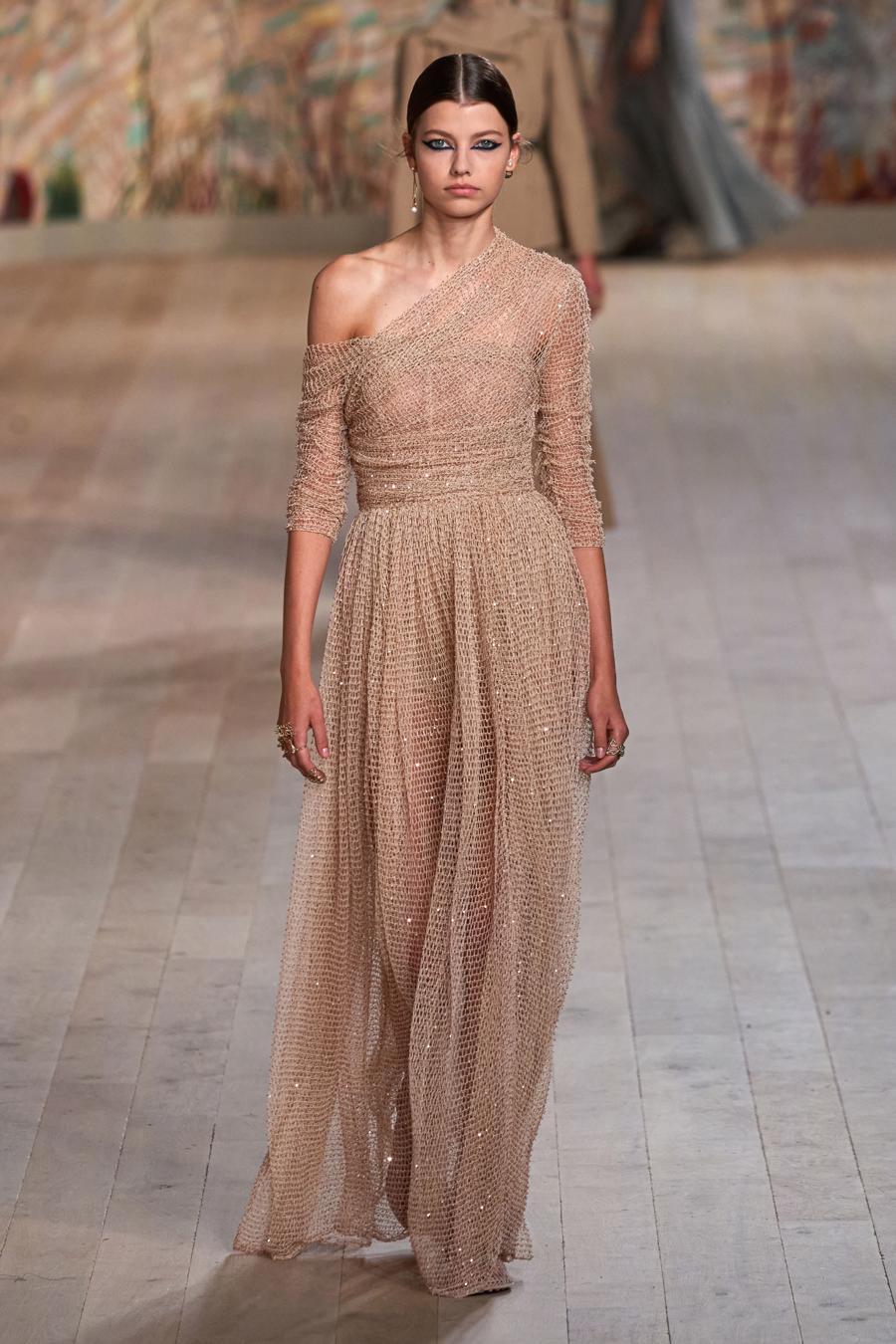 Dior trình diễn BST Haute Couture Thu Đông 2021 - 2022 - Ảnh 7
