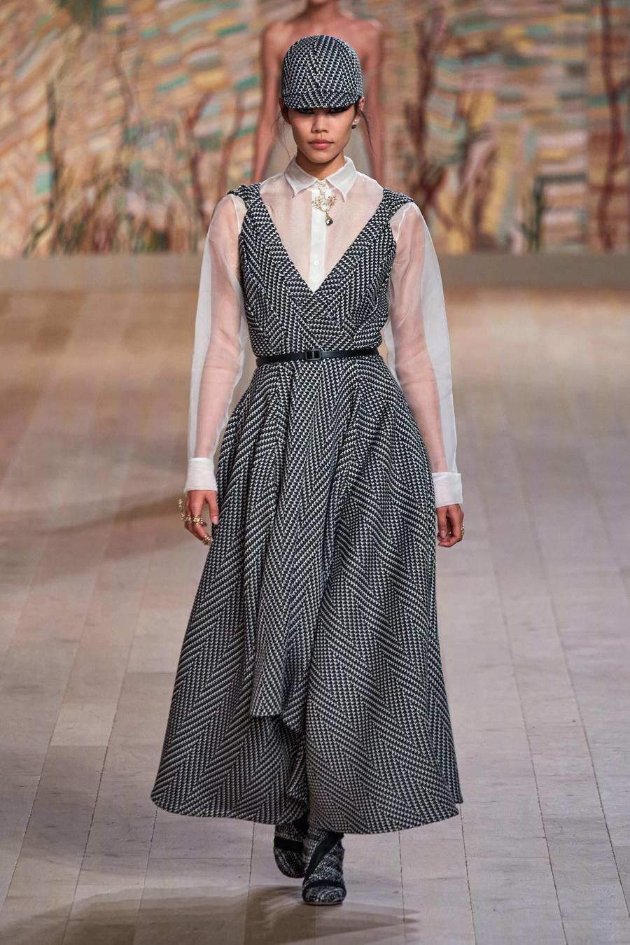 Dior trình diễn BST Haute Couture Thu Đông 2021 - 2022 - Ảnh 3
