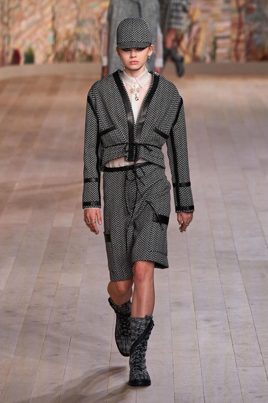 Dior trình diễn BST Haute Couture Thu Đông 2021 - 2022 - Ảnh 4