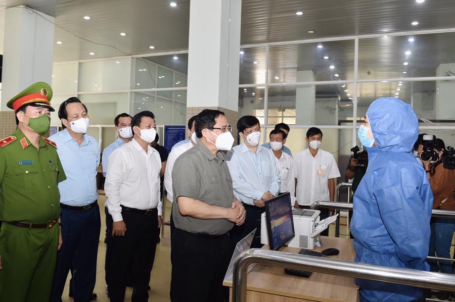 Trong bối cảnh dịch bệnh tại nước láng giềng Campuchia diễn biến phức tạp, số các nhiễm lớn, công tác phòng, chống dịch tại cửa khẩu Mộc Bài là hết sức quan trọng.