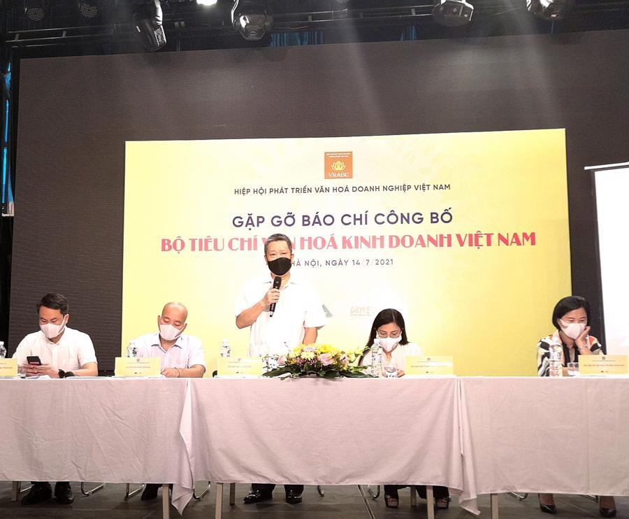 Hình ảnh tại buổi họp báocông bố Bộ tiêu chí văn hóa kinh doanh Việt Nam.