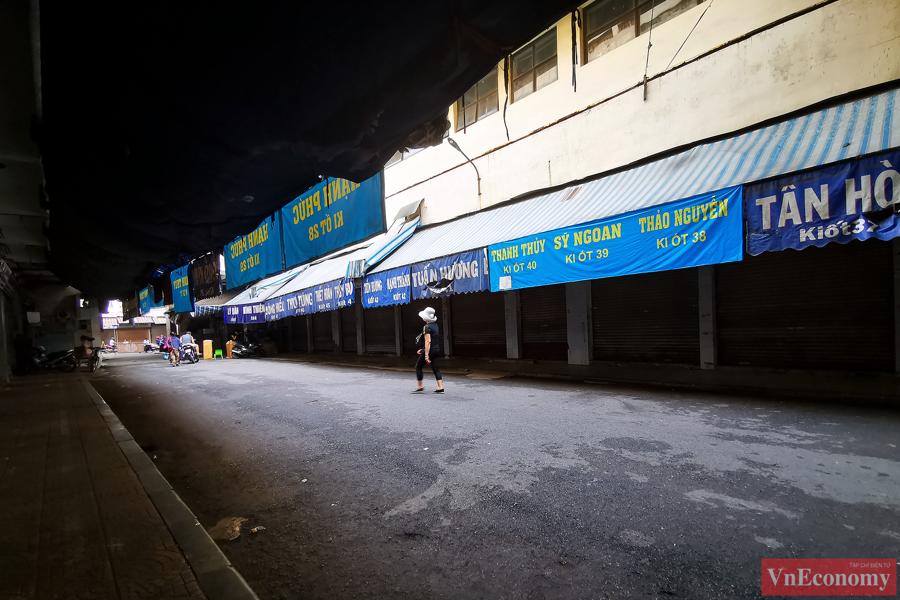 Hà Nội: 2.150 gian hàng chợ Đồng Xuân đóng cửa để phòng dịch - Ảnh 3