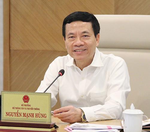 Bộ trưởng Nguyễn Mạnh Hùng.