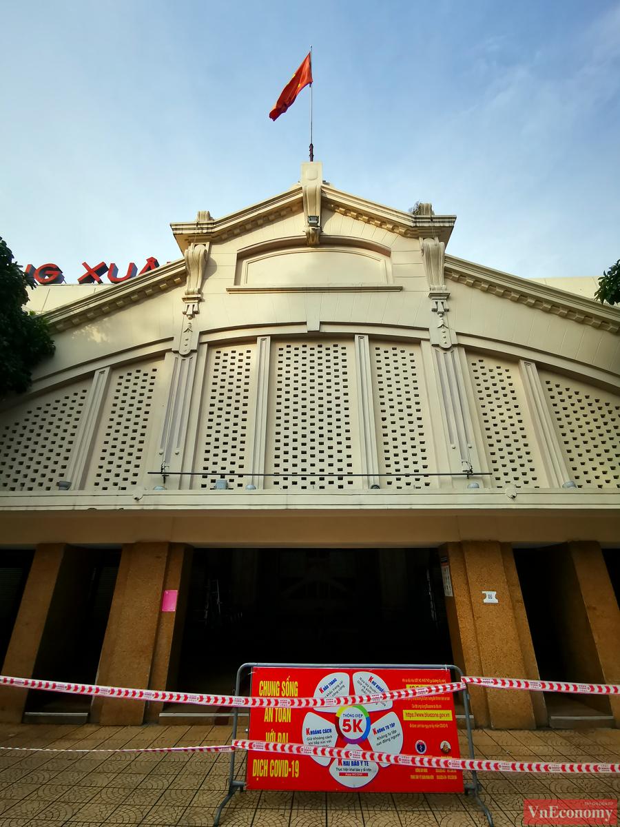 Hà Nội: 2.150 gian hàng chợ Đồng Xuân đóng cửa để phòng dịch - Ảnh 1