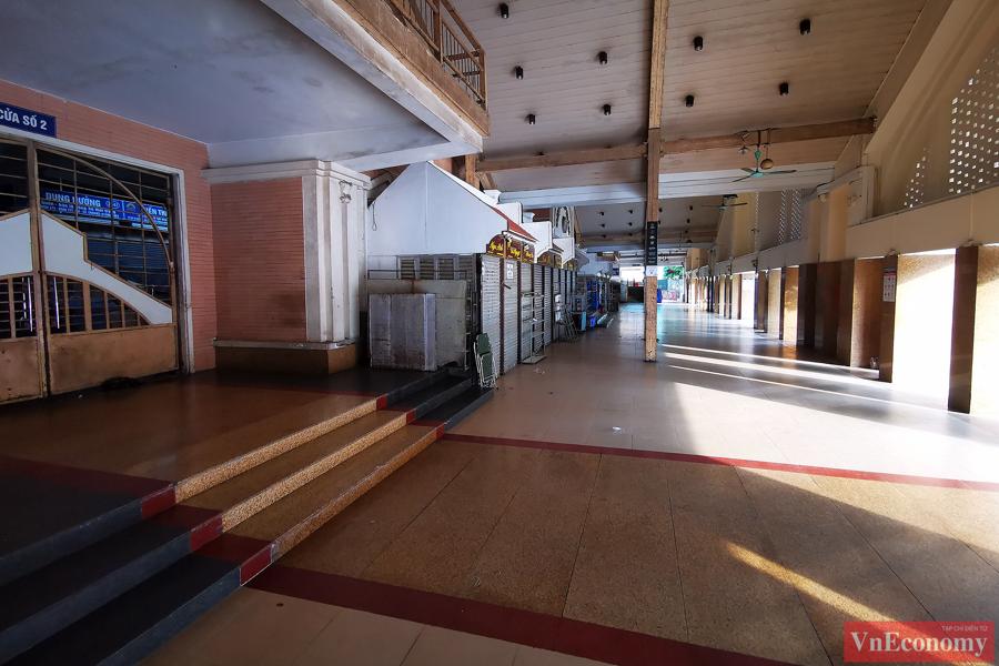 Chợ Đồng Xuân vốn là khu chợ đầu mối, là không gian mua bán của nhiều tiểu thương và là sự lựa chọn của nhiều người dân thủ đô Hà Nội.