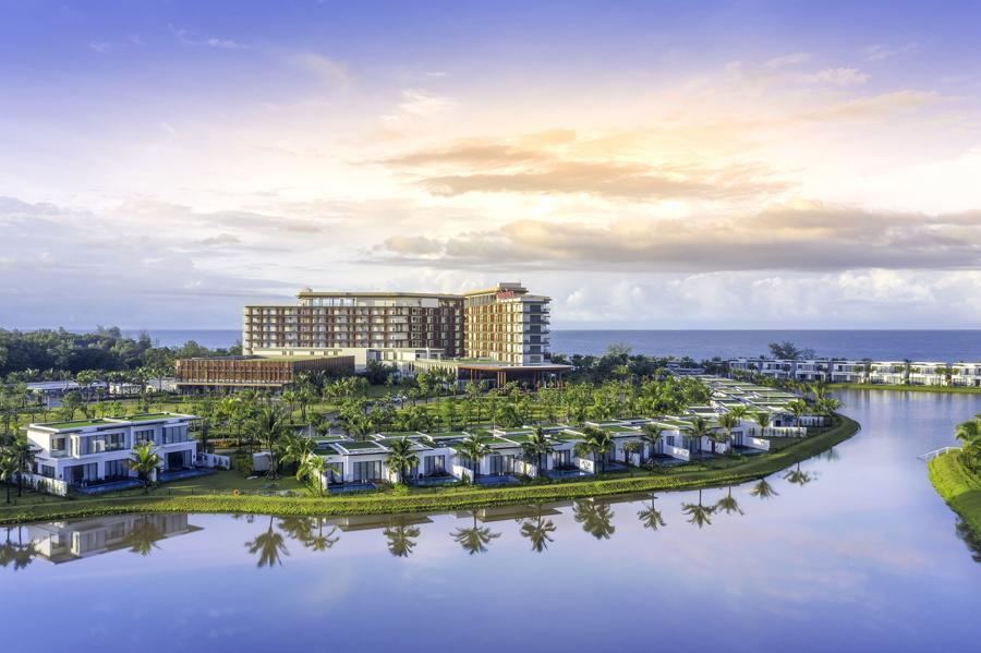 Mövenpick Resort Waverly Phú Quốc - khu nghỉ dưỡng 5 sao quốc tế đầu tiên tại bãi ông Lang.